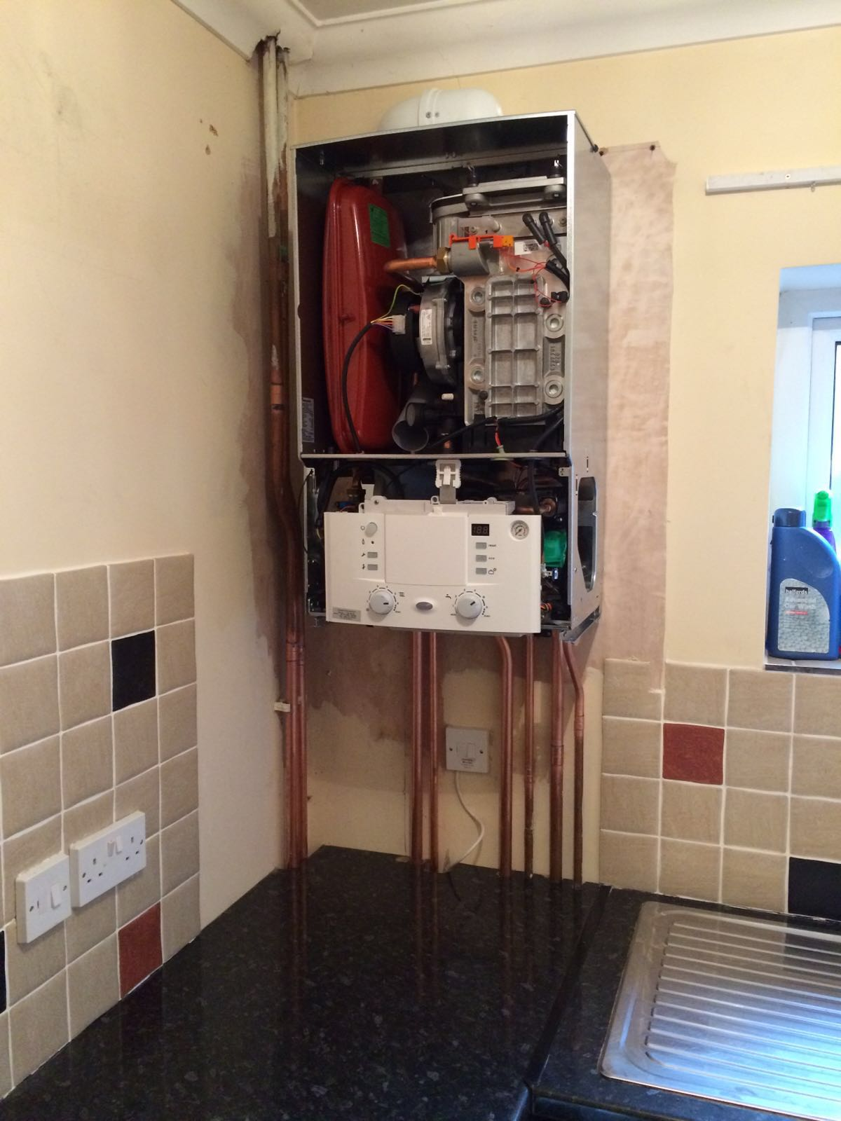 A Typical Combination Boiler Installation / Here4Heat